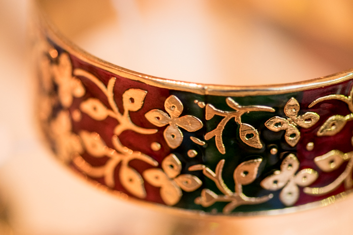 An enamel-work bangle